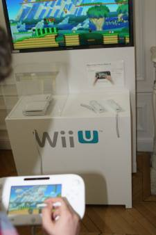 Nintendo_wii_u_press_event_15_06_2012_gamepad-stylet_mario